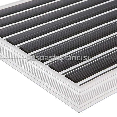 Paspas Toptancısı - Alüminyum Paspas Yivli PVC Fitilli PM2000 Siyah (1)