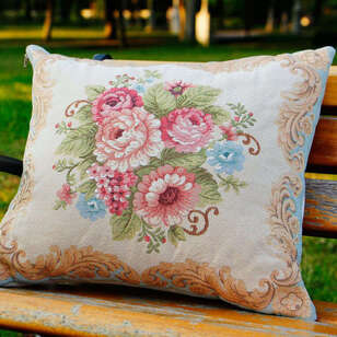 Dekoratif Goblen Çiçekli Kırlent Beylerbeyi - Thumbnail